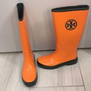 95bf2f768cc0 Women s Tory Burch Logo Rain Boots on Poshmark